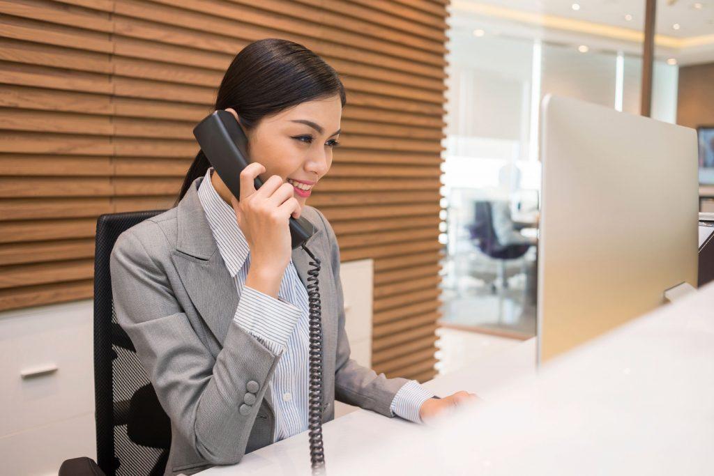 01-13-things-your-hotel-desk-clerk-wont-tell-you-desk-clerk